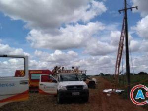 Em outubro do ano passado um eletricista de 29 anos morreu quando fazia manutenção nesta rede elétrica, em Amambai.