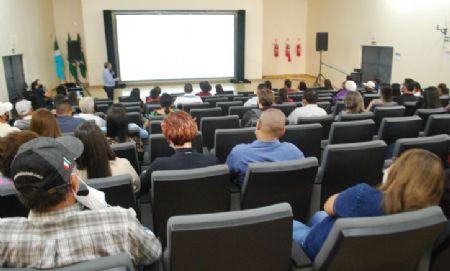 Sicredi Centro Sul apresenta resultados da cooperativa durante assembleia em Aral Moreira