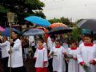 Procissão no Domingo de Ramos reuniu centenas de fiéis.