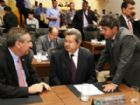 Deputados Paulo Corrêa (PSDB), Onevan de Matos (PSDB) e Rinaldo Modesto (PSDB), durante sessão.