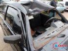 O veículo que o universitário conduzia sofreu avarias de grande monta. O ciclista morreu a caminho do hospital.