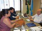 Prefeita Márcia Marques, juntamente com o seu secretário de Governo, Afrânio Marques, durante audiência com o senador Pedro Chaves.