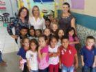 Vereadora Anny Espínola durante visita em uma das escolas da rede municipal de ensino.